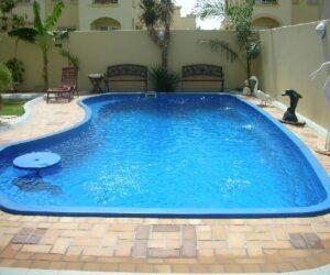 أحواض سباحة جاهزة